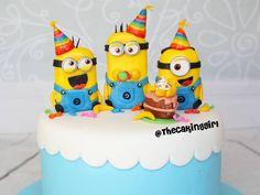 Despicable Me Minions birthday cake for kids. Cute minion figurines! Fondant/gumpaste. www.thecakinggirl.com