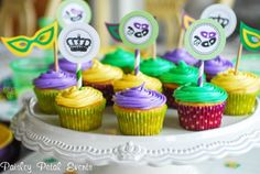 Mardi Gras cupcakes with printable toppers