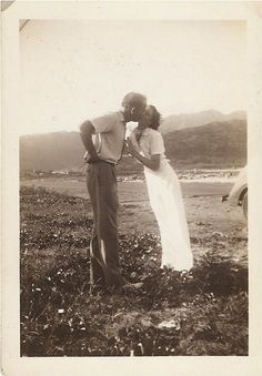 Sweet ANTIQUE 1920's PHOTO of Smooching by vintagewarehouse, $3.00