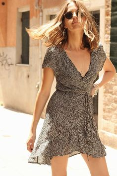 Cute wrap dress, summer style