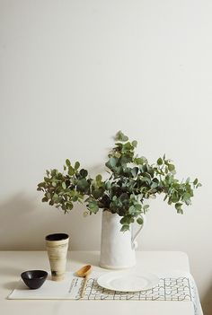 B&W botanical prints, greens, to create a relaxed and fresh look