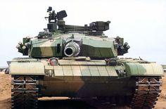 Type 99A2 của Trung Quốc được sản xuất năm 2009 được trang bị hệ thống phòng thủ chủ động có thể phát hiện và bắn hạ tên lửa của địch có độ thành công cao. Nguồn ảnh: The Richest.