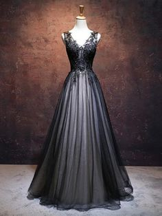 Unique black tulle V neck long A-line handmade senior prom dresses Material: Lace appliqués, tulle Color: Please refer to color card, sometimes color difference will be existed, kindly please understand. Senior Prom Dresses, Black Evening Dresses, Black Wedding Dresses, Prom Party Dresses, Ball Dresses, Ball Gowns, Dresses Dresses, Prom Dresses Black Long, Black Fancy Dress