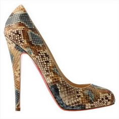 Blake Lively wearing Christian Louboutin Declic Pumps in Python. Pretty Shoes, Beautiful Shoes, Zapatos Shoes, Shoes Heels, Bobbies Shoes, Killer Heels, Hot Shoes, Christian Louboutin Shoes, Louboutin Pumps