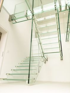 Glass stairs add a sense of exclusivity and elegance to a space. Find a large selection of straight, helical and spiral glass stairs. Glass Stairs, Amazing, Design, Home Decor, World, Staircases, Decoration Home, Room Decor, Interior Design