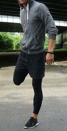 run while you can // fitness clothing // black short // metropolitan lifestyle //