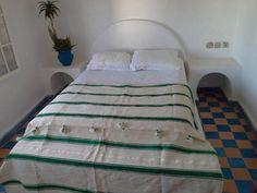 Moroccan Striped Green Blanket par SheherazadeStories sur Etsy
