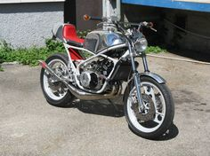 Exquisite Yamaha RZ350 based Street Fighter!