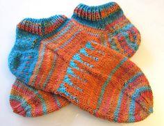 Stilvolle Socken Gr. 37-38 orange-türkis von marith auf DaWanda.com