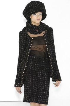 Chanel - Haute Couture - Fall / Winter 2004