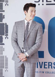 20150513 KimWooBin at Sieg's 20th Anniversary 2015 F/W Collection CR:: w-hereyouare