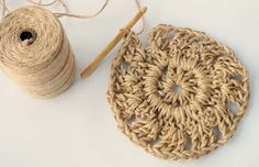 Have you noticed that natural jute decor is bang on trend right now? In this tutorial, you'll learn how to crochet the rounds and create a stunning contrast between the natural jute and metallic. Jute, Crochet Wall Hangings, Wall Hanging Crafts, Weaving Art, Diy Home Crafts, Crochet Basics, Learn To Crochet, Knitting Yarn, Crochet Patterns