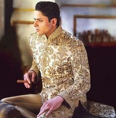 I need to go to another Indian wedding.....I could totally rock this