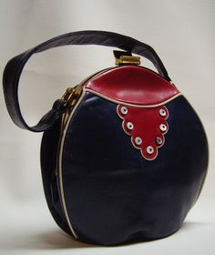 1940's  RENDEL Cantine style Handbag ~ this may not be the most beautiful 40s bag but it has the scallops, the deep red, coloured edging and that useful wide strap in a leather that screams 40s PRT
