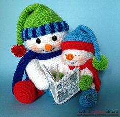 Яркий снеговик амигуруми крючком с описанием и фото. Фото №10