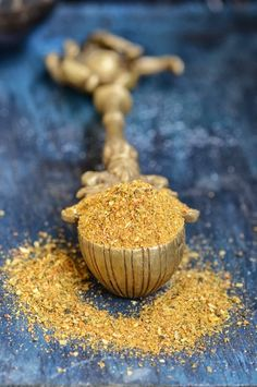 Achari Masala is gorgeous and exotic on every level, taste, aroma. You can add Achari masala spice blend recipe to curries, dal, etc. Spice Blends, Spice Mixes, Chai, Masala Spice, Garam Masala, Ras El Hanout, Homemade Pickles, Masala Recipe, Podi Recipe