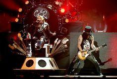 Guns N' Roses con su dosis de metal en el Palacio