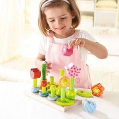 Witajcie w poniedziałek:)    Wykonana z drewna układanka Haba 301551 -   Ogrodowe Kwiatki dla dzieci już od 18 miesięcy.     Zabawa polega na nakładaniu na siebie po kolei elementów, tak aby stworzyły kwiatki.     Dzięki układance dziecko uczy się precyzji oraz trenuje zdolności manualne.    Co kryje się w zestawie:) Sprawdźcie sami:)    http://www.niczchin.pl/ukladanki-drewniane/3882-haba-301551-ukladanka-ogrodowe-kwiatki.html    #ogrodowekwiatki #układanka #haba #zabawki #niczchin #kraków