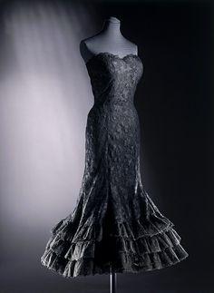 Evening dress, Chanel, 1958 {Repin}