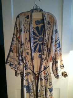 Boho screen printed lounging robe by WickedPeace on Etsy Boho Fashion, Fashion Beauty, Fashion Outfits, Womens Fashion, Bohemian Style, Boho Chic, A Boutique, Dress Me Up, Just In Case