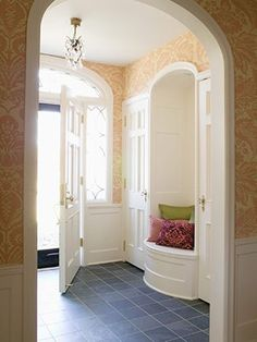 Good Life of Design: Small Entry Solutions  http://goodlifeofdesign.blogspot.com/2011/06/small-entry-solutions.html#