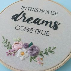 . . . #lovefunatelier #bordadolivre #bordadoamao #embroidery #embroideryhoop #feitoamao #handmade
