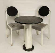 Suprematist table:chair set by Nikolai Suetin, 1924 Mid Century Dining Chairs, Modern Dining Chairs, Mid Century Furniture, Pub Table And Chairs, Table And Chair Sets, Bauhaus, Vintage Furniture, Furniture Design, Outdoor Furniture