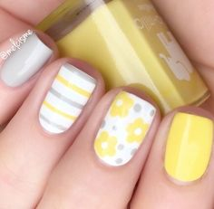 Lovely Spring yellow and gray flower manicure by @melcisme using our Straight Nail Vinyls & Daisy Nail Decals found at snailvinyls.com. 20% Off this weekend only, Code: EASTER