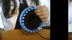 Pantoufles au tricotin - YouTube
