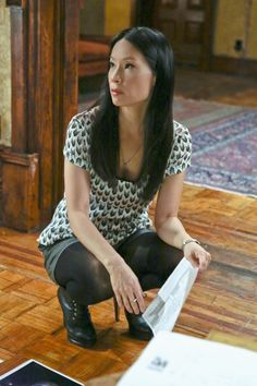 Interesting year end take on Lucy Liu as Joan Watson. Lucy Liu Elementary, Elementary Tv, Sherlock Holmes Elementary, I Love Lucy, Beautiful Asian Women, Asian Woman, Style Guides, Celebrity Style, Celebrity Photos