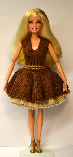 Knit doll clothes patterns. Used this site for Julia's doll clothes. Excellent patterns.