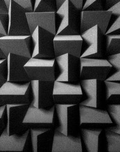 An example of a pattern for acoustic foam can look like. This would make a room have pretty much no echo or any unwanted noise. Acoustic Wall, Acoustic Panels, Espace Design, Home Cinema Room, Drum Room, Recording Studio Design, Photocollage, Sound Proofing, Wall Treatments