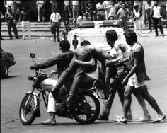 El #Caracazo o Sacudón fue una serie de fuertes #protestas y #disturbios en #Venezuela durante el gobierno de #CarlosAndrésPérez, que comenzó el 27 de febrero y terminó el 8 de marzo de #1989 - The Caracazo, or #Sacudón, is the name given to the wave of #protests, #riots, looting, #shootings and #massacres that began on 27 February 1989 - O Caracazo, ou sacudón, é o nome dado à onda de #protestos, #tumultos, #saqueos, #tiroteios e massacres que começaram em 27 de #fevereiro de 1989