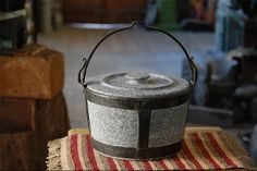 Soapstone pot - Pietra Ollare pot with wrought iron strapping with lid, Lucchinetti