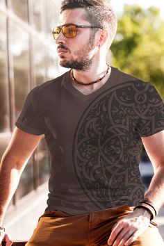 Explore the wide range of Men's fashion T-Shirts at Aenda. You will get all types of t shirts you require right here at the best prices.  http://www.aenda.net/