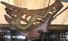 Dragon teak wood carving Old Wood, Teak Wood, Dragon Art, Fantasy Creatures, Wood Carving, Drake, Mythology, Pallet, Dragons