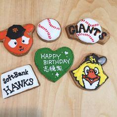 ジャビット&ホークス Icing, Happy Birthday, Cookies, Desserts, Food, Happy Brithday, Crack Crackers, Tailgate Desserts, Deserts