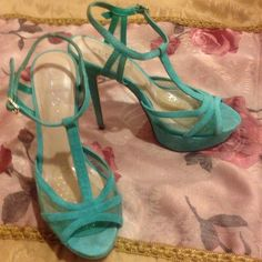 Mint Green ALDO Platform Heels/ Shoes Used in great condition, only worn 4x, very clean, fits size 9 true to size ALDO Shoes Heels