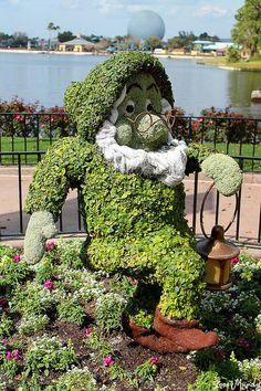 Topiary: – Garden is craft Amazing Gardens, Beautiful Gardens, Beautiful Flowers, Garden Types, Formal Gardens, Outdoor Gardens, Flower Carpet, Topiary Garden, Plant Art
