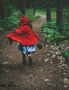 Fairy Tale Photography // Second Star Studio // Little Red Riding Hood // Child Photo Shoot