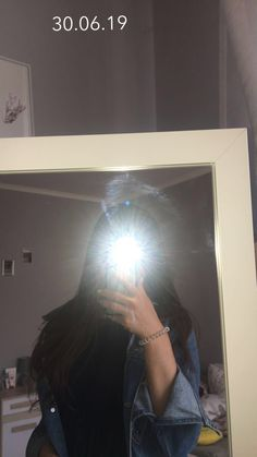 aesthetic mirror selfie no face Teenage Girl Photography, Girl Photography Poses, Tumblr Photography, Selfi Tumblr, Ft Tumblr, Face Aesthetic, Bad Girl Aesthetic, Korean Aesthetic, Aesthetic Photo