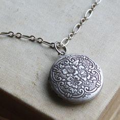 Hannah Locket, Antiqued Silver Locket, locket Necklace, Silver Flower Locket, Weddings, Bridesmaid Gift