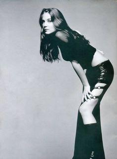 2003 - Photoshoot by Paul Levitten - 001~80 - Simone Simons Daily