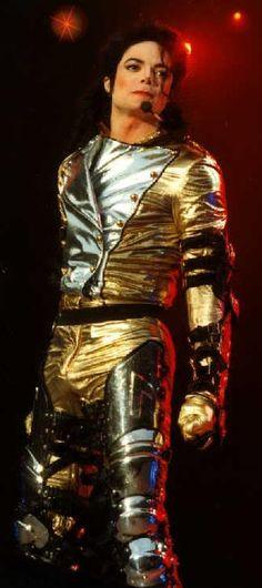 ♕ Michael jacksones el mas hremoso del todo mundo el haora es una estrella de cielo✪