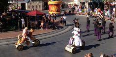 Vestuarios tradicionales de Mary Poppins #disneyland #disneyparks #ladodisney #disneyside #disneyfashion