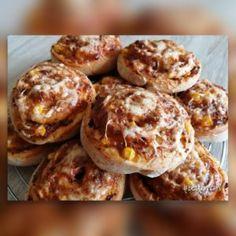 Pizzás csiga | Betty hobbi konyhája Bologna, Ketchup, Muffin, Breakfast, Food, Morning Coffee, Eten, Cupcakes, Muffins