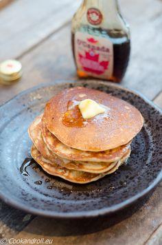 Pancakes et sirop d'érable... notre petit plaisir dominical!  La recette - simple et rapide - est sur www.cookandroll.eu :-) http://www.cookandroll.eu/archives/2015/12/13/33062280.html