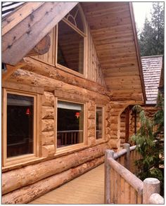Wisconsin Cabin Rentals - NW Wisconsin borders miles of Lake Superior and has access to the Apostle Islands National Lakeshore. East Wisconsin has rentals along hundreds of miles of shoreline on Lake Michigan. Cabin Style Homes, Log Homes, Vinyl Log Siding, Wisconsin Cabin Rentals, Wooden Window Shutters, How To Build A Log Cabin, Old Cabins, Built In Furniture, Cabin Interiors