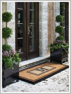 Love These Planters By Front Door Or Out Back Front . Love These Planters By Front Door Or Out Back Garden . Home and Family Front Door Planters, Front Entrances, Front Porch Decorating, Brick Exterior House, Door Planter, Modern Farmhouse Exterior, Front Yard, Front Door Entrance, Curb Appeal