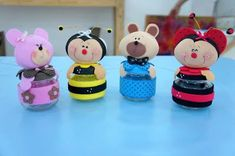 adorable little critters atop of a baby food jar (or similar size) in fun foam Foam Crafts, Diy And Crafts, Crafts For Kids, Clay Projects, Diy Projects To Try, Baby Food Jars, Clay Figurine, Polymer Clay Miniatures, Ideas Para Fiestas